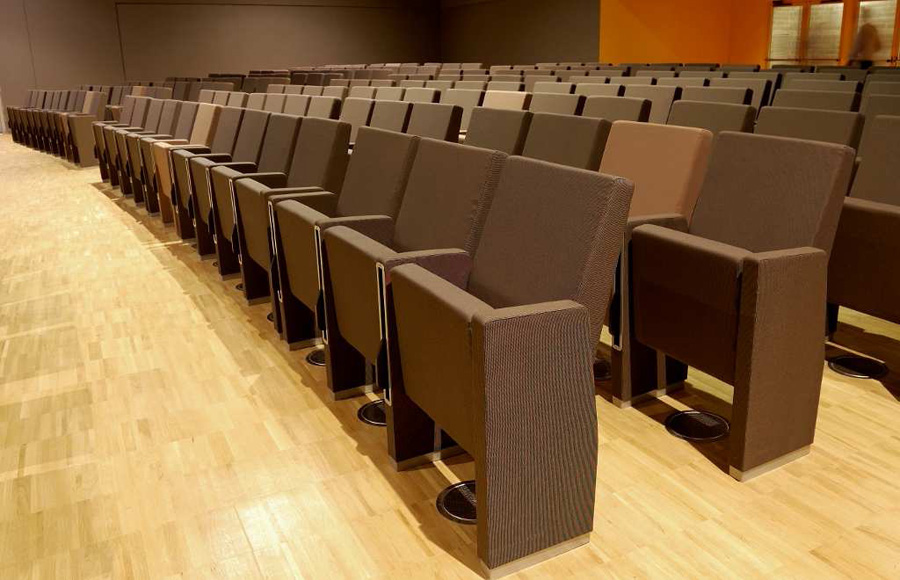 M100 lamm fauteuils design