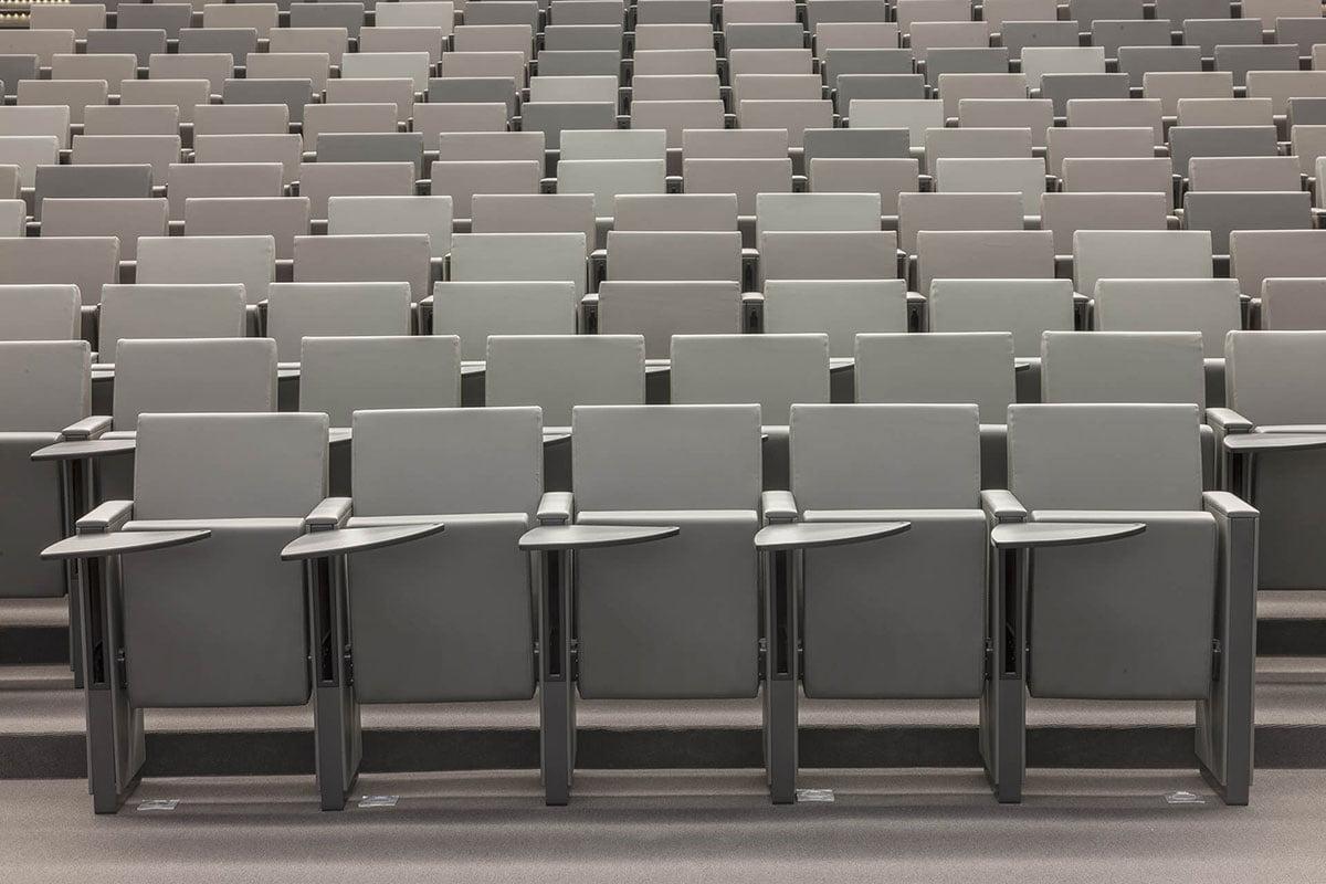 installation mobilier auditorium