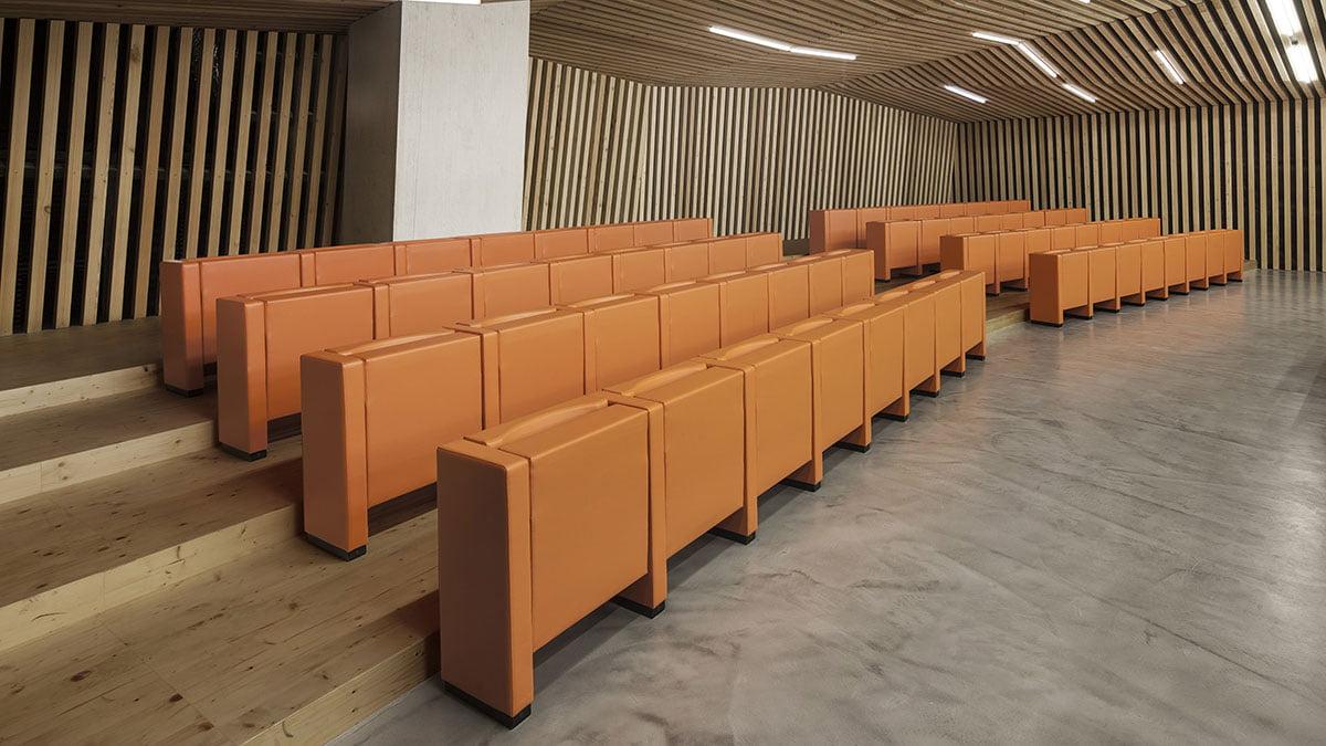 installation sièges auditorium Mura