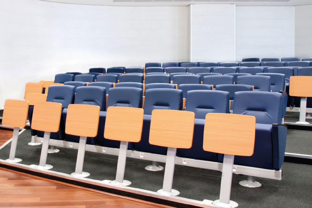 installation fauteuil auditorium